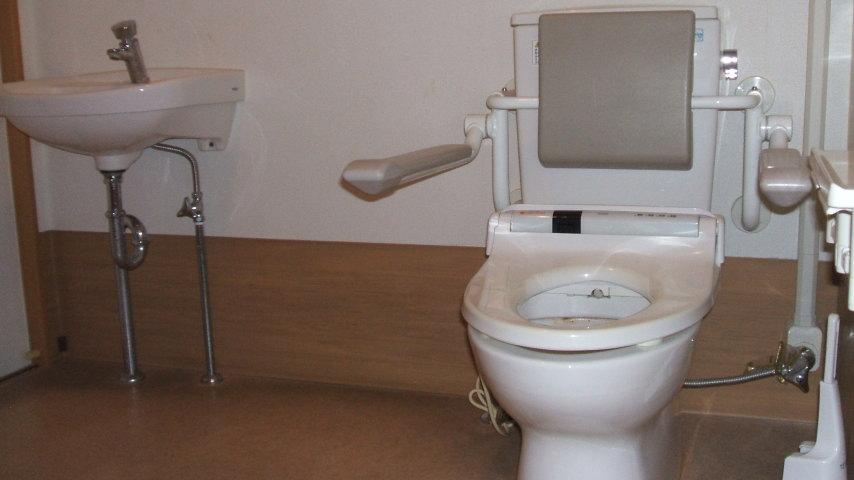 写真: グループホーム トイレ
