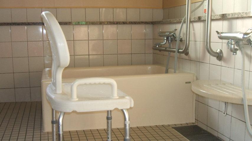 写真: デイサービス一般浴 浴室